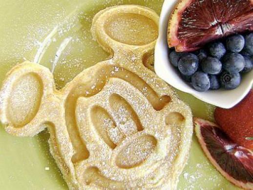 mickey-disney-character-breakfast